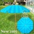 sombrilla de playa de rayas azules